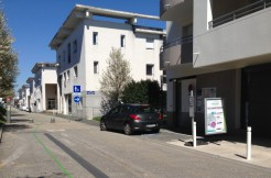 Local commercial en vente au minimes vue rue 2