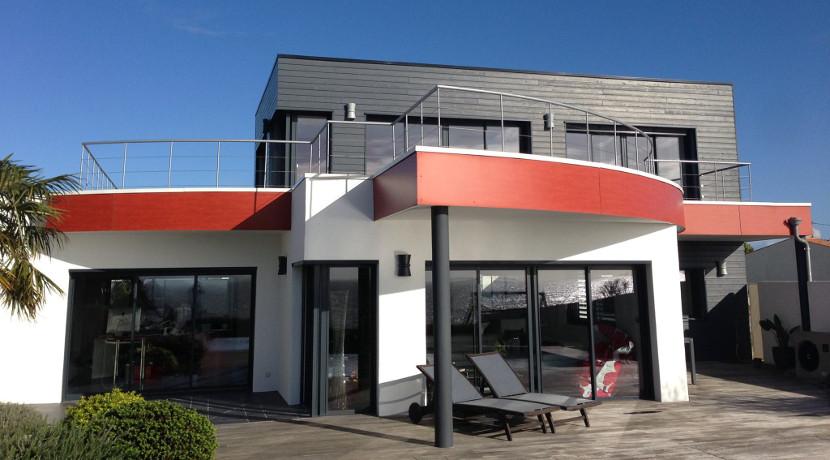 Luxueuse villa à vendre avec vue sur la mer à 10 minutes de La Rochelle