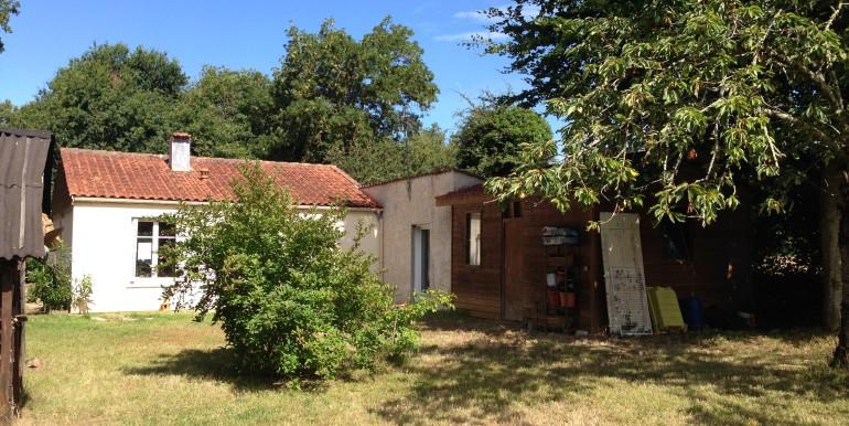 2 Maison vu jardin