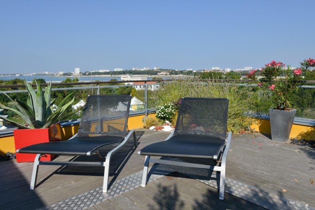 A vendre à La Rochelle, vue sur mer, appartement de luxe