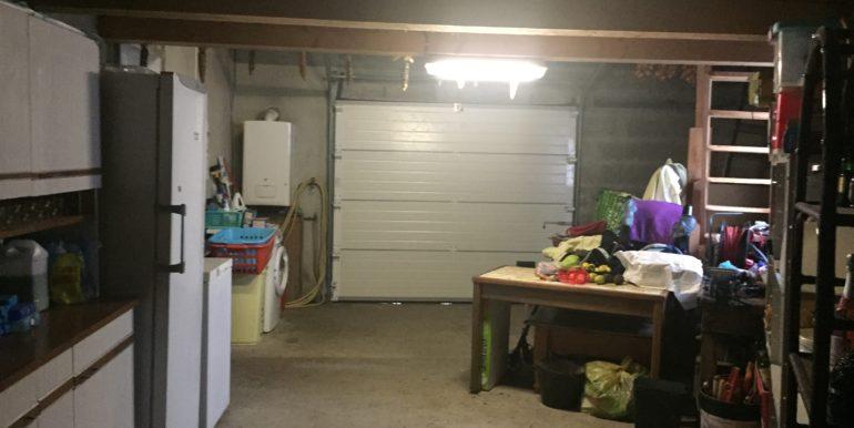 IMG_11 Garage 1