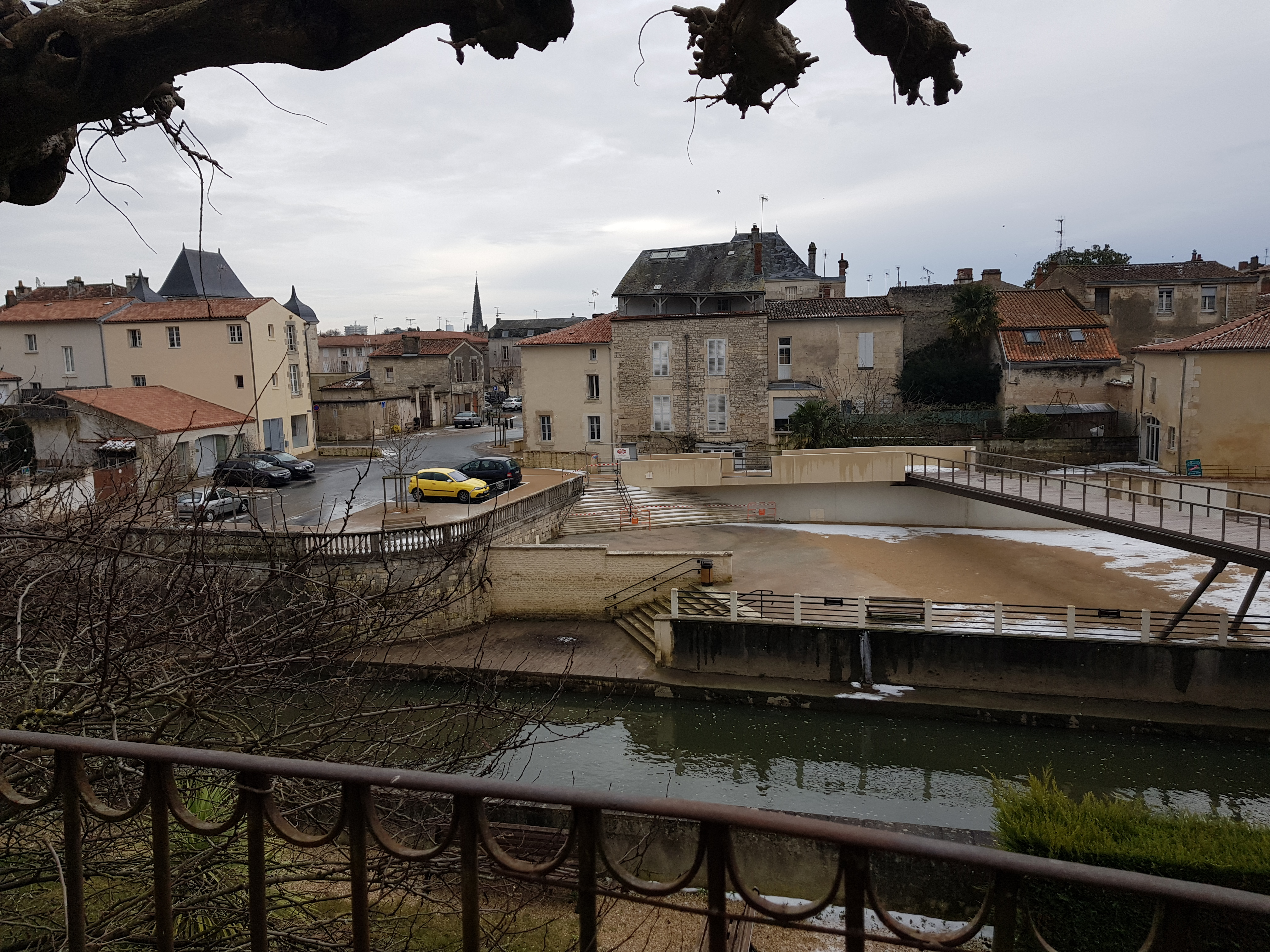Maison contemporaine centre ville La Chataigneraie 85120
