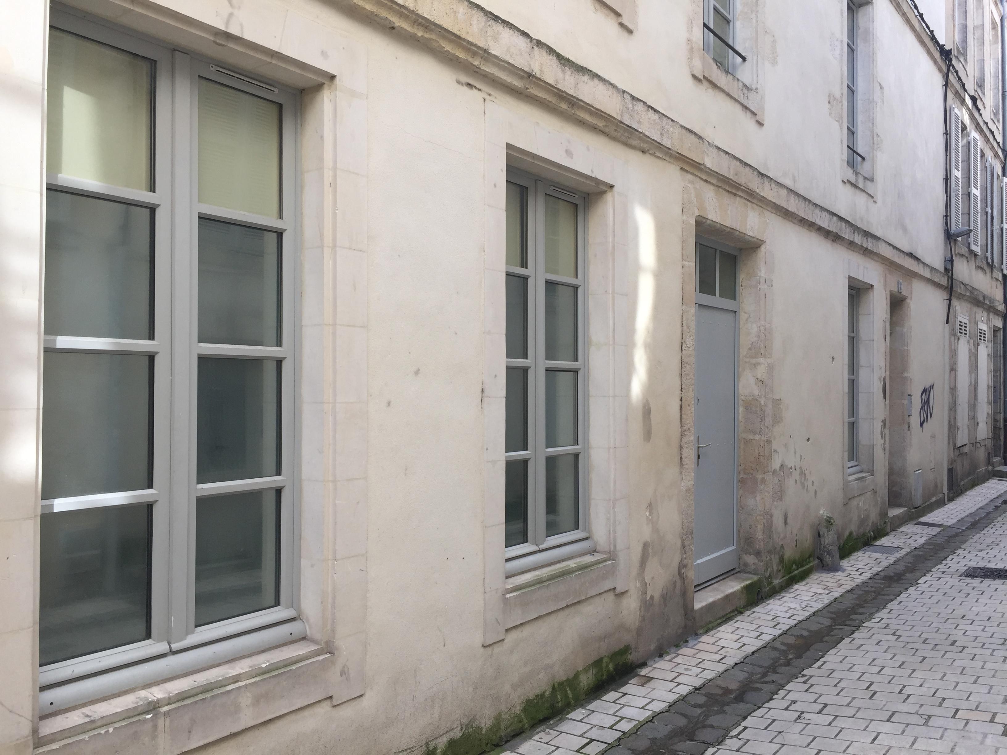 À vendre à La Rochelle, HYPER CENTRE, PROCHE DE LA MER